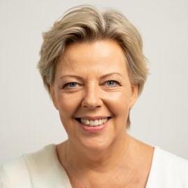 Speaker - Andrea Mikisch